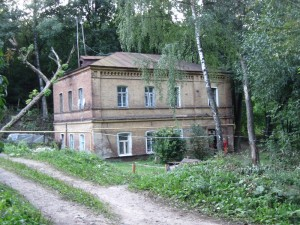 parizhskoy-communi-str-2_wikimap