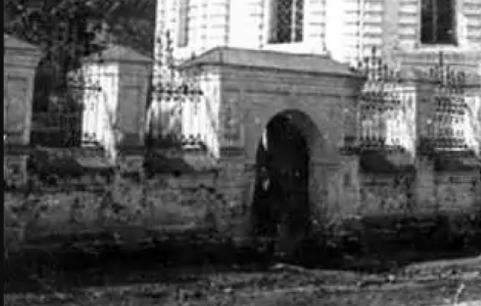 http://old-smolensk.ru/wp-content/uploads/2018/07/fence-grid_dukhovskaya-church1918-1929.png